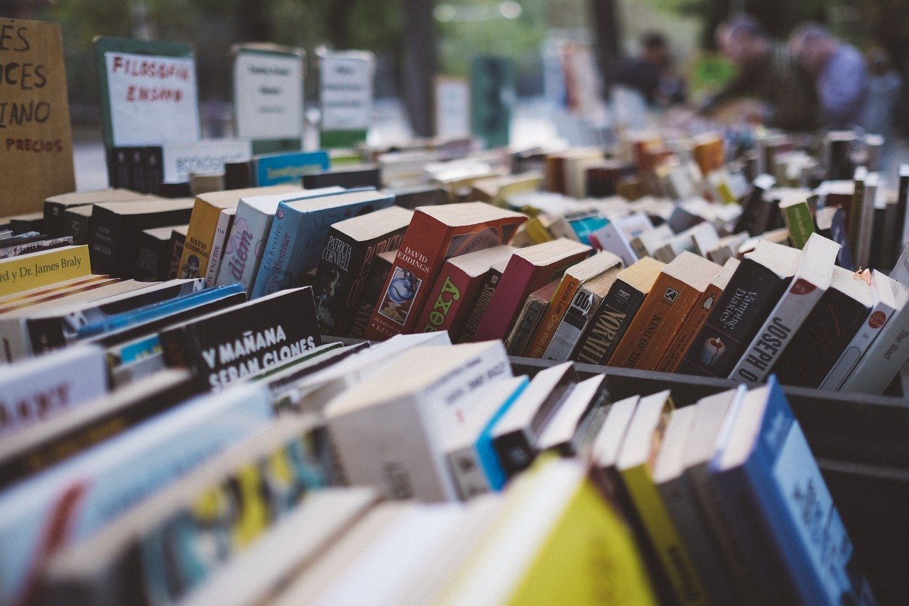 Bücherei sammelt für Hofflohmarkt