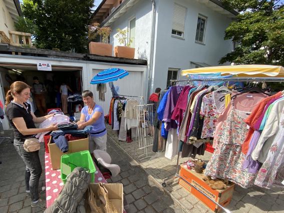 Shoppen for Future – Der Hofflohmarkt in Neubiberg ist sozial und nachhaltig
